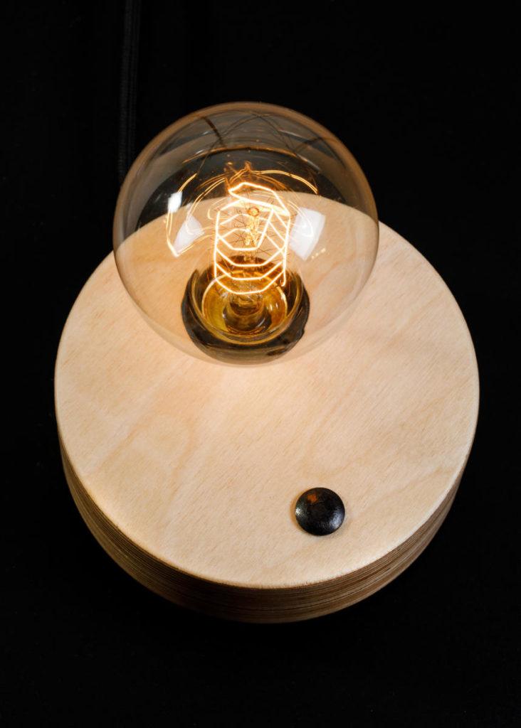 Tabletop lamp. Επιτραπέζιο φωτιστικό.